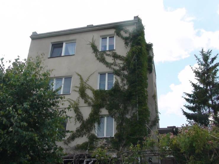 Elewacja ogrodowa domu przed rozbudową.: styl , w kategorii  zaprojektowany przez Architectus Pracownia Projektowa