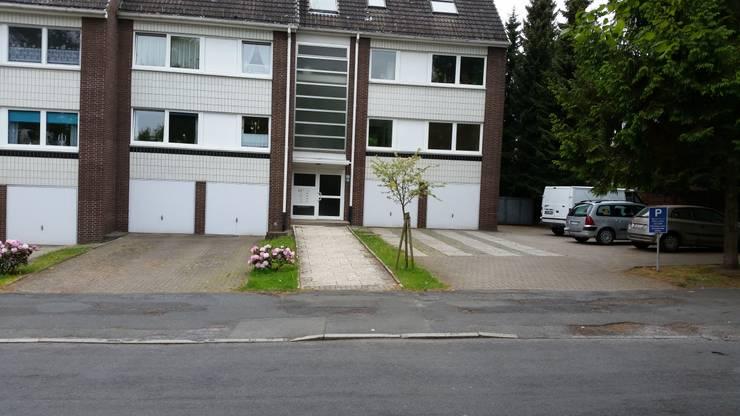 Neupflasterung von Parkplatzflächen:  Garage & Schuppen von Garten- und Landschaftsbau Gartenservice Schwanewede
