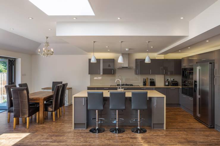 Surrey House:  Kitchen by Frost Architects Ltd