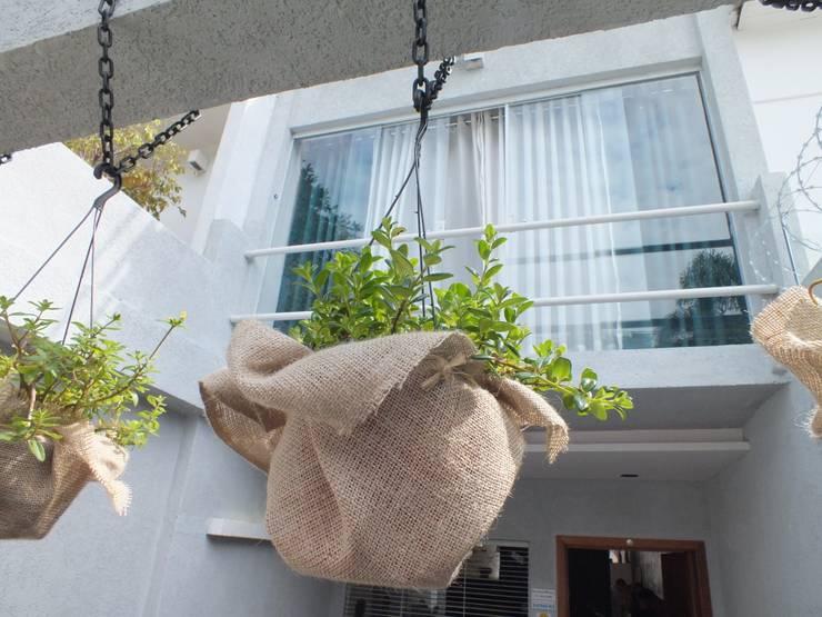 Fachada residência: Casas  por Arquitetura Ecológica