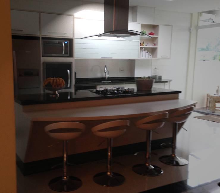 Residência Tucuruvi - São Paulo - Brasil : Cozinhas  por Arquitetura Ecológica,Moderno