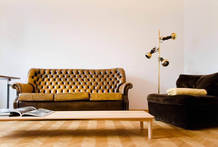 Salas de estar modernas por Studio DLF
