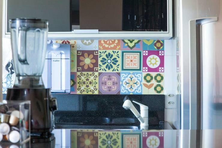 Apartamento Single - São Paulo - Brasil: Cozinhas  por Arquitetura Ecológica,