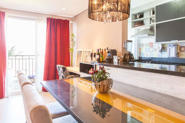 Apartamento Single - São Paulo - Brasil: Salas de jantar  por Dunder Koch Arquitetura