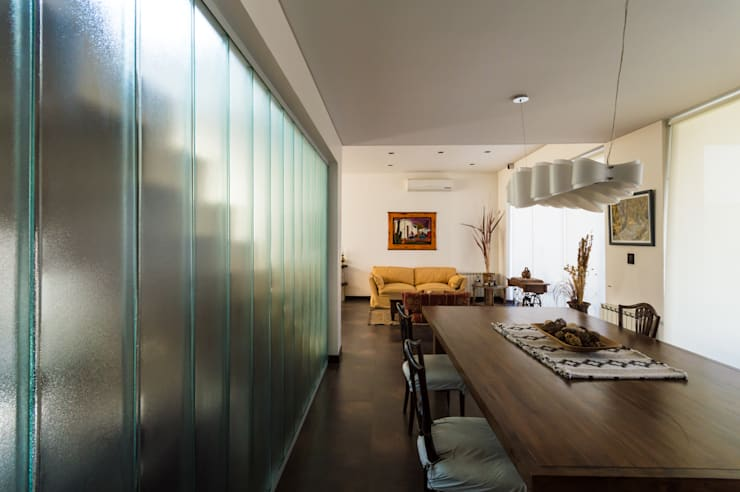 CARBONE HOUSE: Comedores de estilo  por Carbone Fernandez Arquitectos