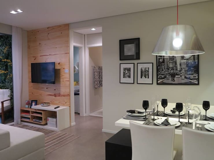 Decorado 49m²: Salas de jantar  por Fabiana Rosello Arquitetura e Interiores