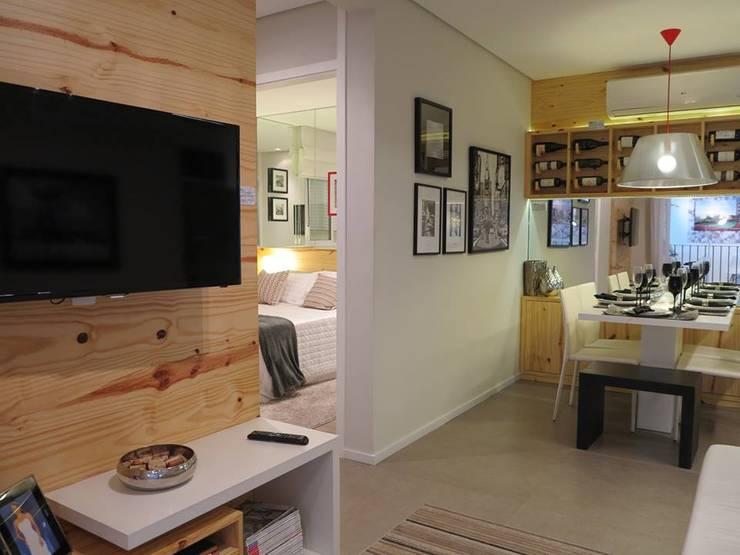 Decorado 49m²: Salas de estar  por Fabiana Rosello Arquitetura e Interiores