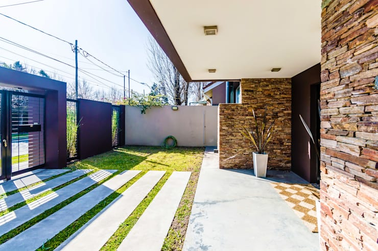 Houses by Carbone Arquitectos, Modern
