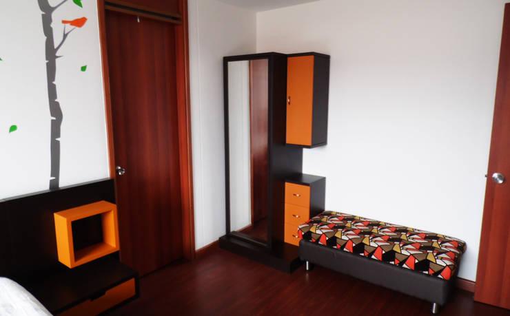Armario personalizado: Dormitorios de estilo  por Fiordana Diseño Interior