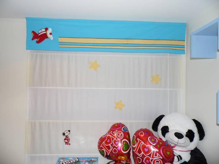 Cortina Romana: Dormitorios de estilo  por Fiordana Diseño Interior,