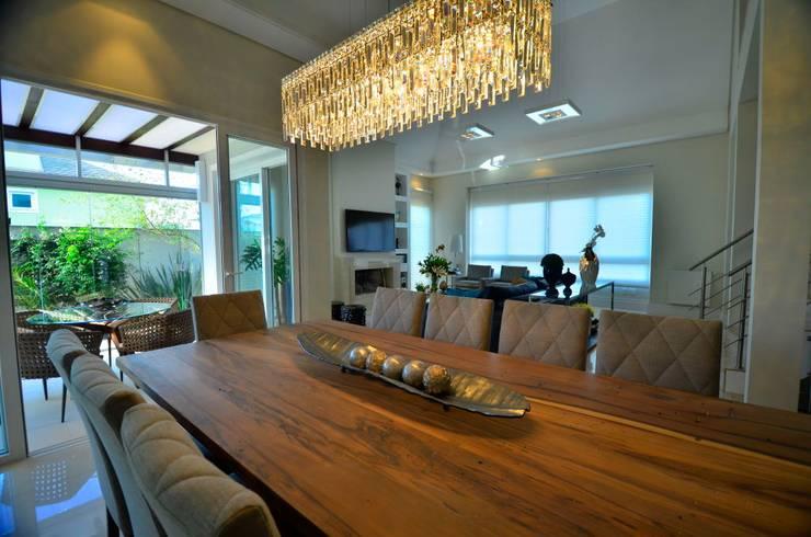 Soluções equilibradas: Salas de jantar  por Marcelo Minuscoli - Projetos Personalizados,