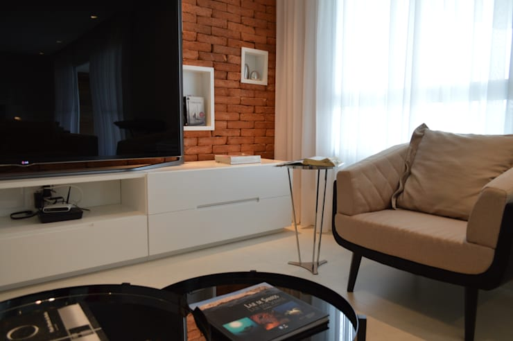 Apartamento 294m²: Salas de estar  por Fabiana Rosello Arquitetura e Interiores,