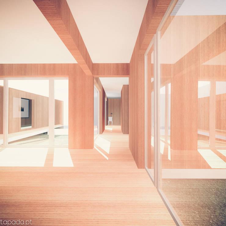 Casa em Lavre: Corredores e halls de entrada  por Tapada arquitectos