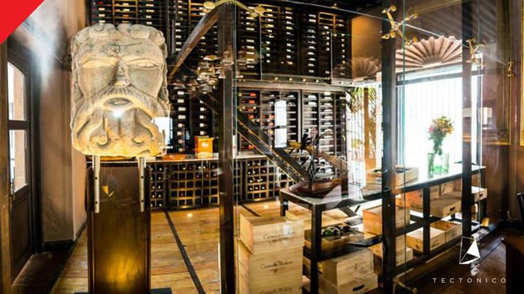 Mesón de Santa Rosa : Restaurantes de estilo  por Tectónico