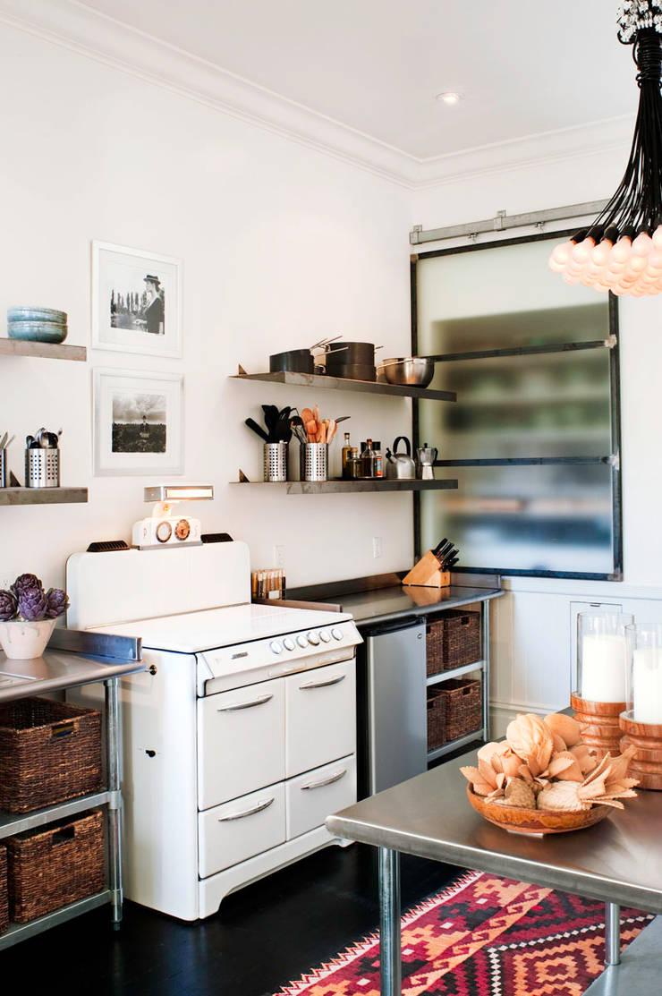 Casa em Sao Francisco – Potrero Hill: Cozinhas  por Antonio Martins Interior Design Inc