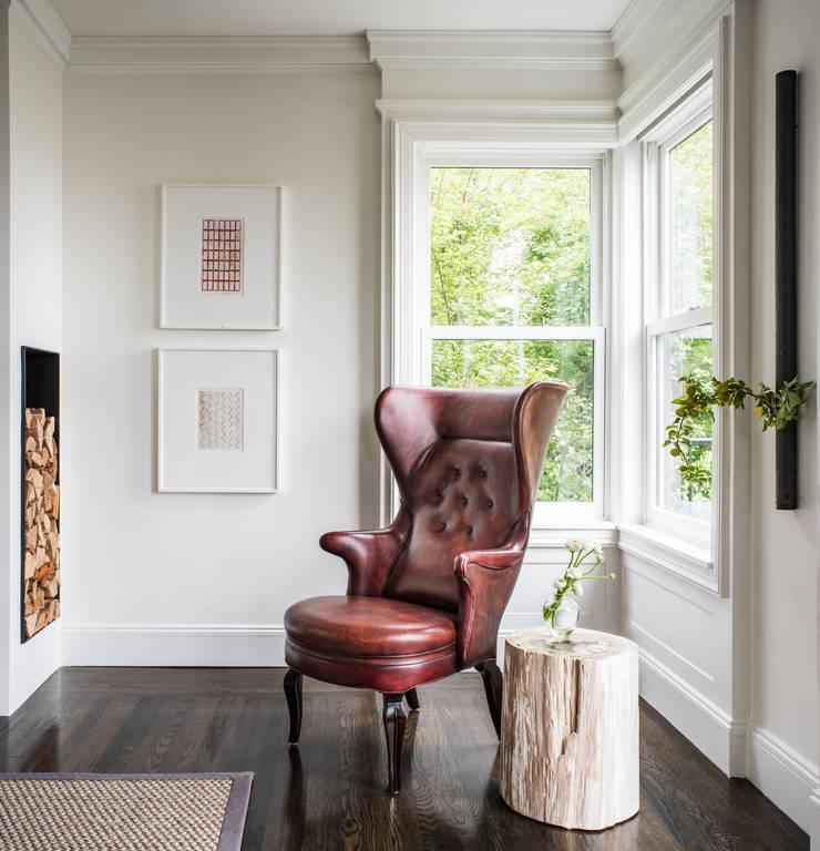 Casa em Sao Francisco – Pacific Heights: Salas de estar  por Antonio Martins Interior Design Inc