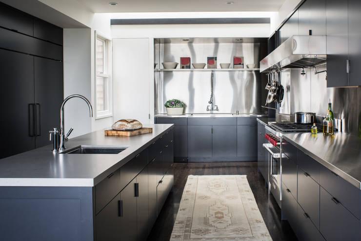 Casa em Sao Francisco – Pacific Heights: Cozinhas  por Antonio Martins Interior Design Inc