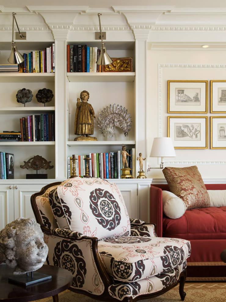Casa em Nob Hill, Sao Francisco: Salas de estar  por Antonio Martins Interior Design Inc