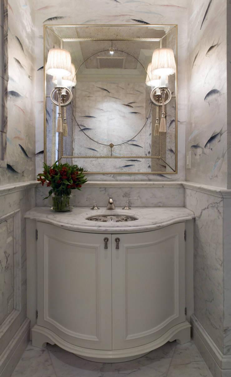 Casa em Nob Hill, Sao Francisco: Casas de banho  por Antonio Martins Interior Design Inc