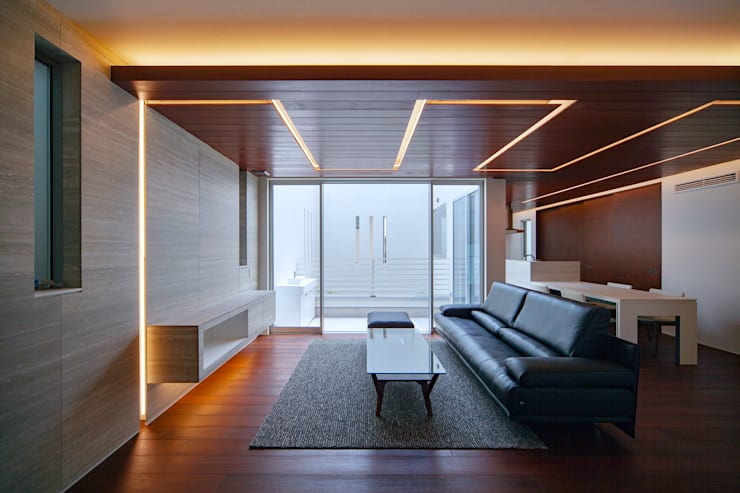 Y8-house「木と石の家」: Architect Show co.,Ltdが手掛けたリビングです。,