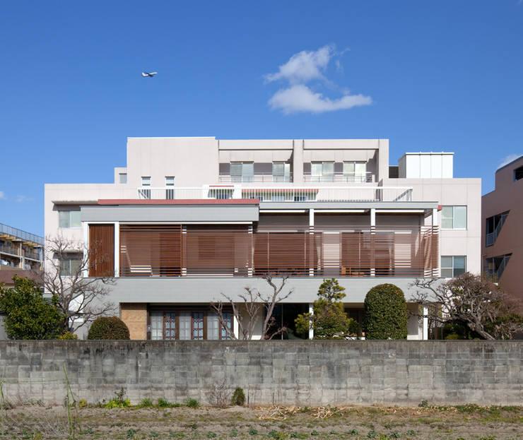 Modern Houses by Architect Show Co.,Ltd Modern