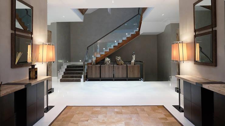 Corridor & hallway by Keir Townsend Ltd., Modern