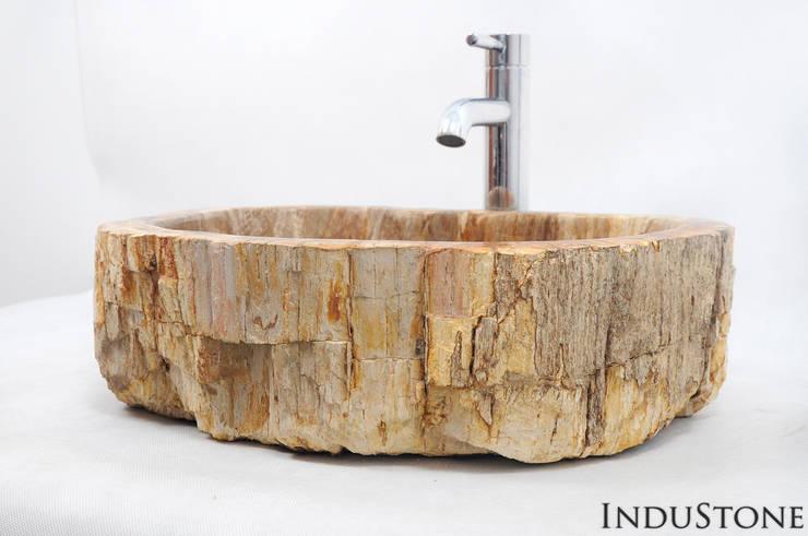 Umywalki kamienne i mozaika Fossil Wood: styl , w kategorii  zaprojektowany przez Industone.pl,Eklektyczny