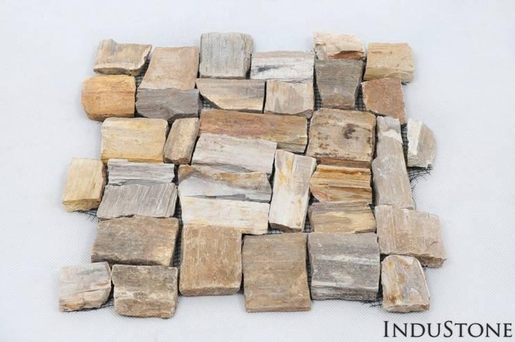 Umywalki kamienne i mozaika Fossil Wood: styl , w kategorii Ściany i podłogi zaprojektowany przez Industone.pl
