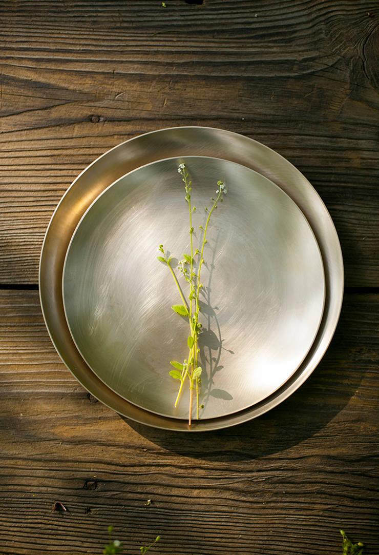 놋그릇과 들꽃: HOHODANG의  주방
