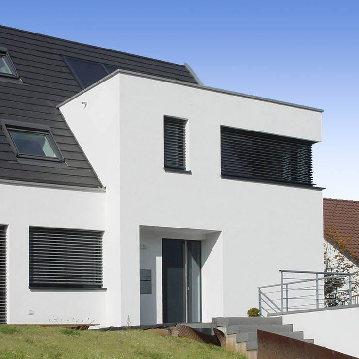 Einfamilienhaus in Schorndorf: moderne Häuser von Kurz Architekten GmbH