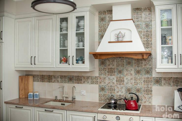 rustic Kitchen by HOLADOM Ewa Korolczuk Studio Architektury i Wnętrz