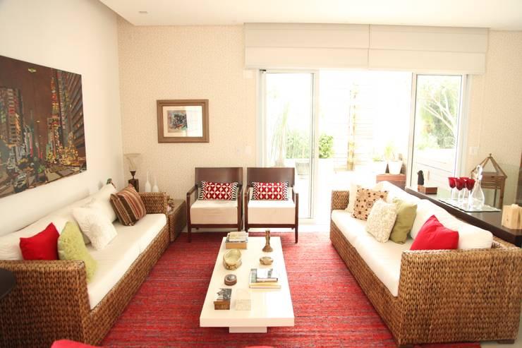Apartamento 285m²: Sala de estar  por Fabiana Rosello Arquitetura e Interiores