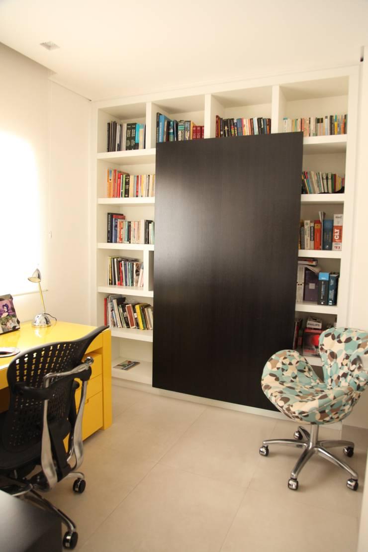 Apartamento 285m²: Escritório e loja  por Fabiana Rosello Arquitetura e Interiores