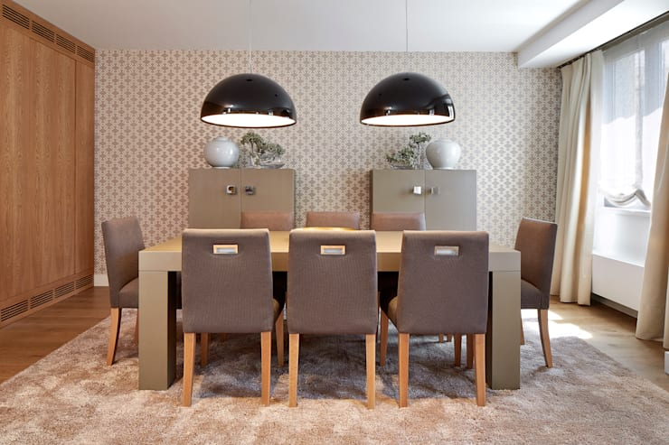 VIVIENDA ZONA TURÓ PARK BARCELONA: Comedores de estilo mediterráneo de Molins Interiors
