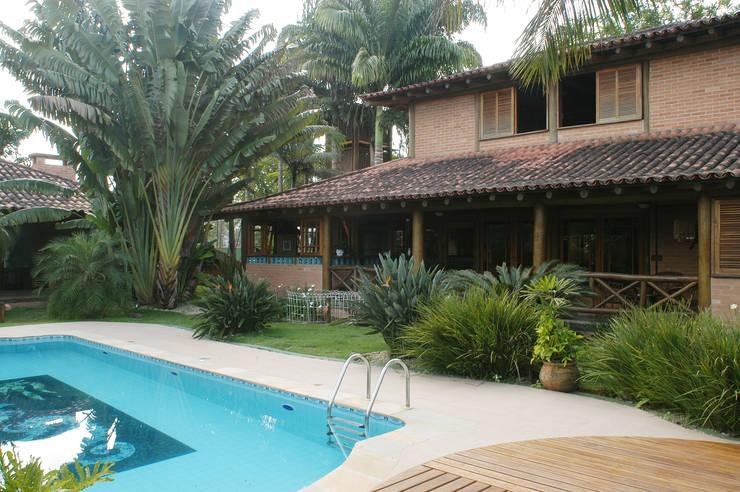 บ้านและที่อยู่อาศัย by MADUEÑO ARQUITETURA & ENGENHARIA