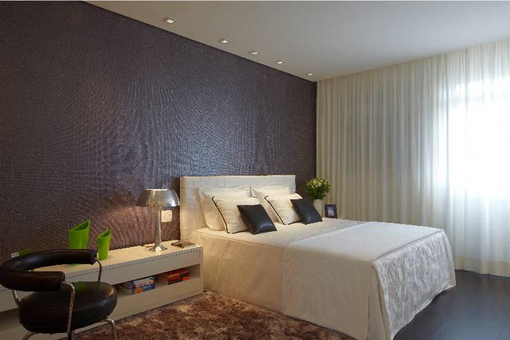 Bedroom by Elisabete Primati Arquitetura