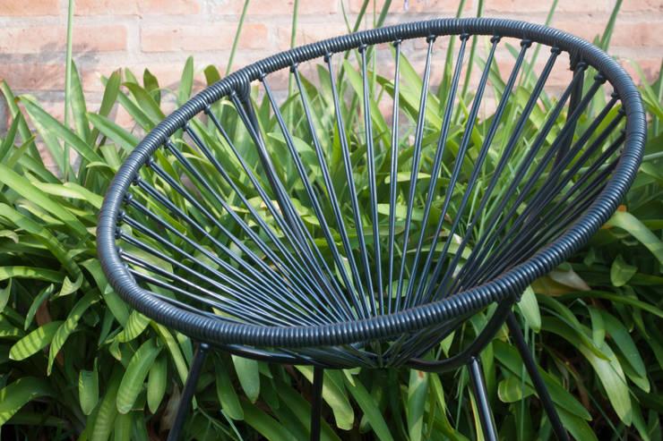 Silla retro circular: Jardines de estilo  por TRIZZ