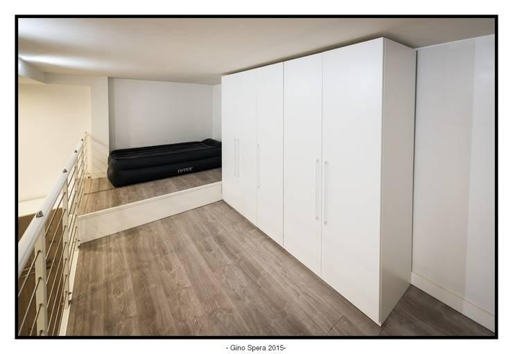 Bilocale44 L&A: Studio in stile  di GINO SPERA ARCHITETTO