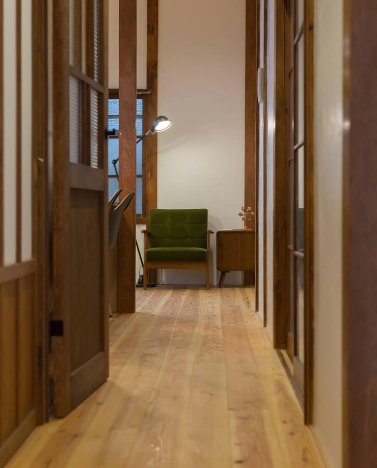 CORRIDOR: リノクラフト株式会社が手掛けた玄関&廊下&階段です。