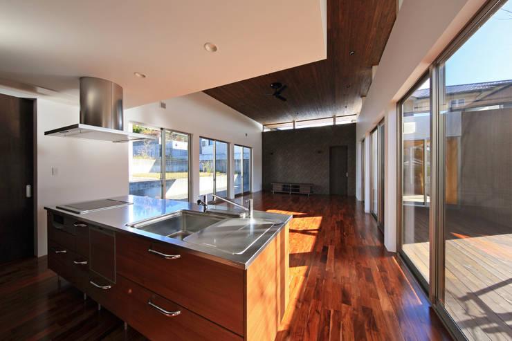 キッチン: 猪股浩介建築設計 Kosuke InomataARHITECTUREが手掛けたキッチンです。,