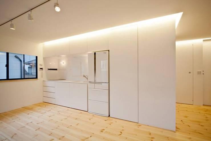 コンパクトで機能的なキッチン: 星設計室が手掛けたキッチンです。