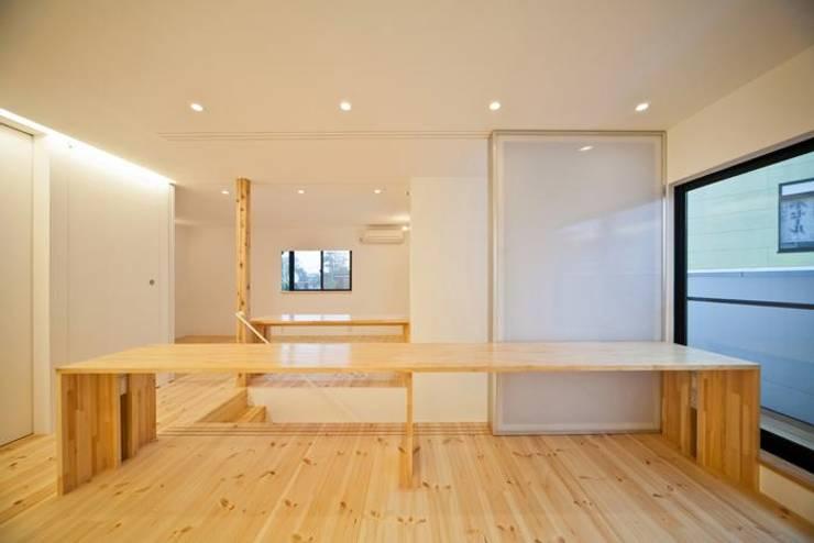 岩槻の家: 星設計室が手掛けた和室です。,モダン 木 木目調
