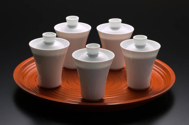 白磁 蓋付 小吸物椀: 磁器工房・静風舎が手掛けた現代のです。,モダン