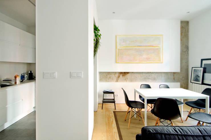 Salas de jantar modernas por Garmendia Cordero arquitectos