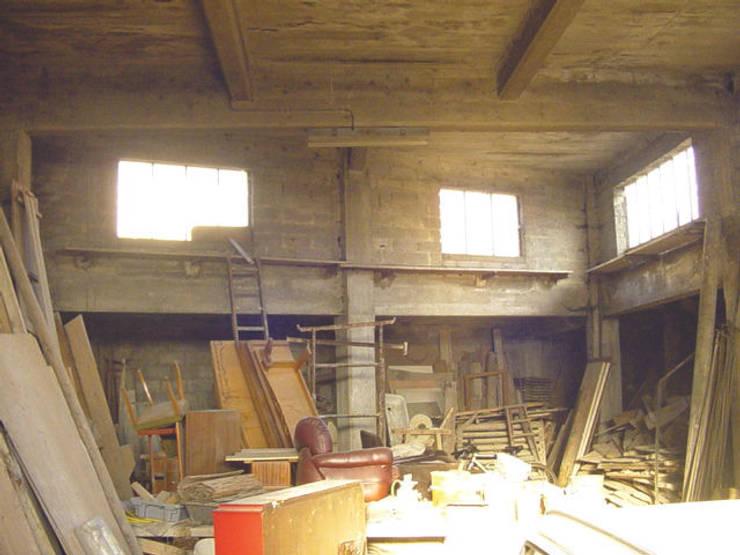 Loft F:  de style  par FAVRE LIBES Architectes