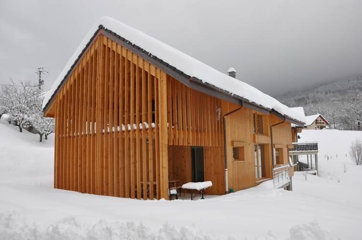 Maison 2S: Maisons de style de style Moderne par FAVRE LIBES Architectes
