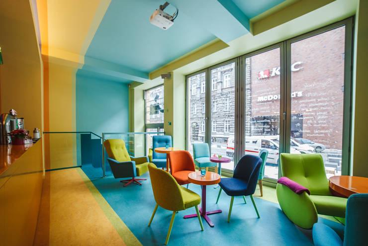 CAFEIN - kawiarnia: styl , w kategorii Gastronomia zaprojektowany przez KOLORAMA,Nowoczesny