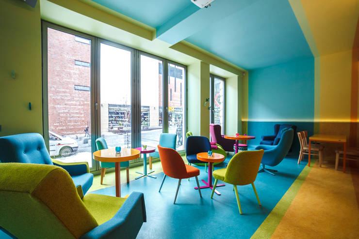 Fotografia głównej sali: styl , w kategorii Gastronomia zaprojektowany przez KOLORAMA,Nowoczesny