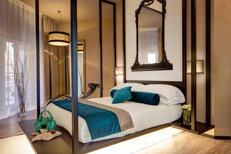 Suite: Hotel in stile  di FAUSTO DI ROCCO ARCHITETTO