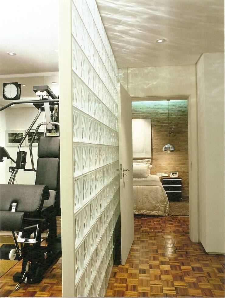 Apto Barão de Capanema: Fitness  por Elisabete Primati Arquitetura,Moderno